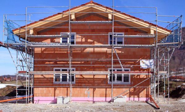 Rénover sa maison soi-même, comment procéder ?